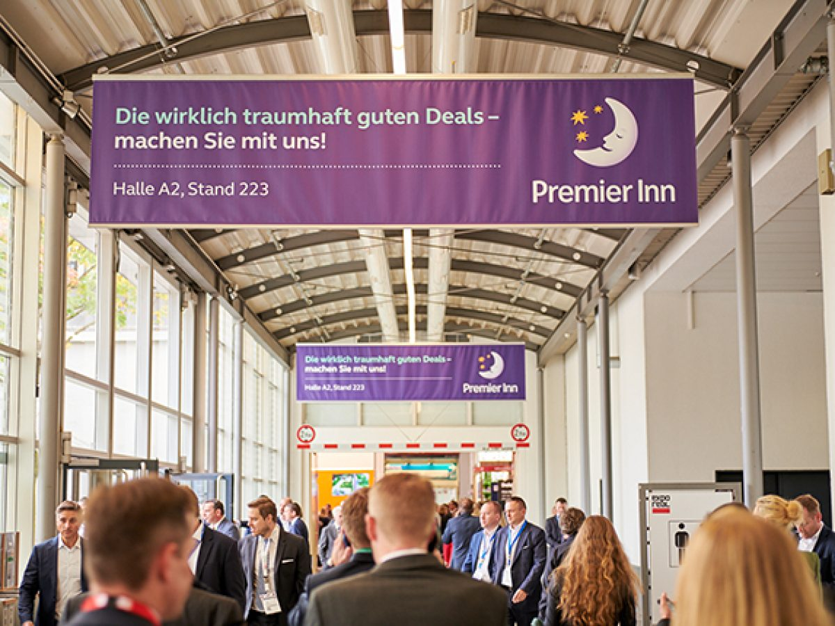 Banner in the connecting corridor